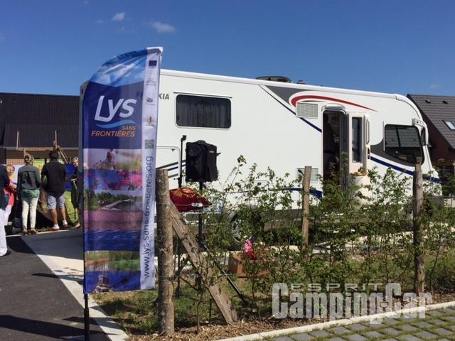Aire camping-car à Estaires (59940) - Photo 2